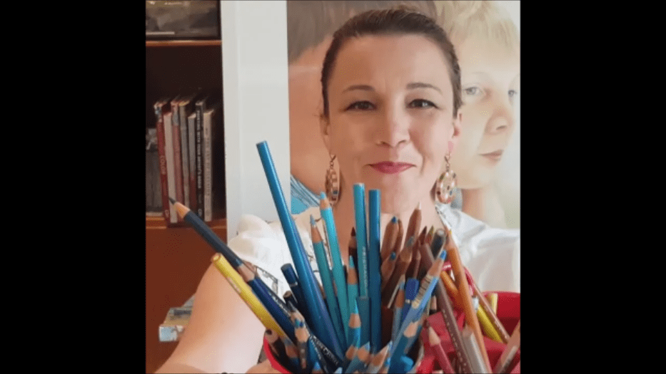 Online Coloured Pencil Classes with Belinda